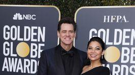Herec Jim Carrey a jeho partnerka Ginger Gonzaga.
