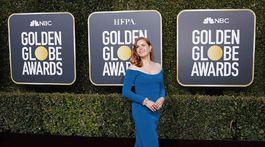 Herečka Amy Adams v šatách Calvin Klein.