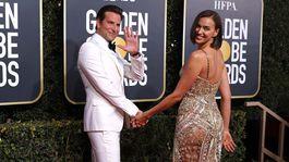 Hviezdny pár Irina Shayk a Bradley Cooper. Shayk sa predviedla v superzvodnej kreácii Atelier Versace.