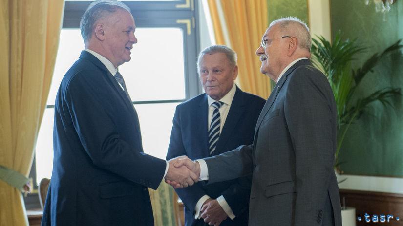 SR prezidenti Kiska, Schuster, Gašparovič obed...