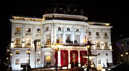 Na snímke historická budova Slovenského národného divadla, v ktorej sa konal 19. ročník dobročinného Plesu v opere 12. januára 2019 v Bratislave.