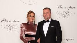 Podpredseda Národnej rady SR Andrej Hrnčiar s manželkou Martinou.