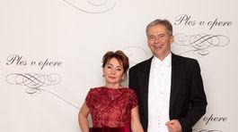 Producent Plesu v opere Peter Princ s manželkou Helenou.