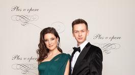 Slovenská modelka Linda Nývltová v šatách od Michaela Kováčika, ktorý jej robil aj plesové garde.