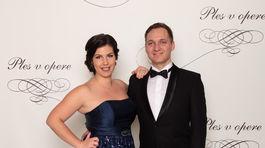 Zjazdový lyžiar a päťnásobný paralympijský víťaz Jakub Krako s manželkou Andreou Krakovou.