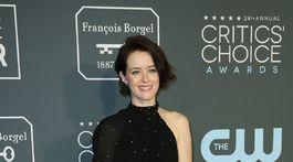 Herečka Claire Foy v kreácii Celine by Hedi Slimane.