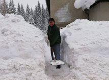 VIDEO: Kalamita na severe, sneh musia z Oravskej Lesnej vyvážať