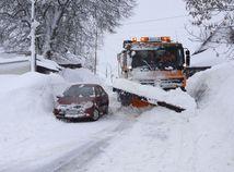 Toľko mimoriadnych situácií sme ešte nemali, so snehom na Orave bojovala 57-ročná fréza