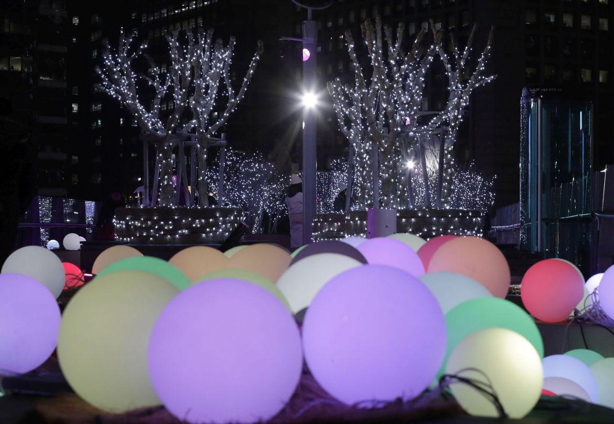 Južné Kórea, balóny, gule, svetlo, Vianoce, sviatky, svetielka