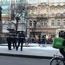 Na Václavskom námestí v Prahe sa zapálil muž