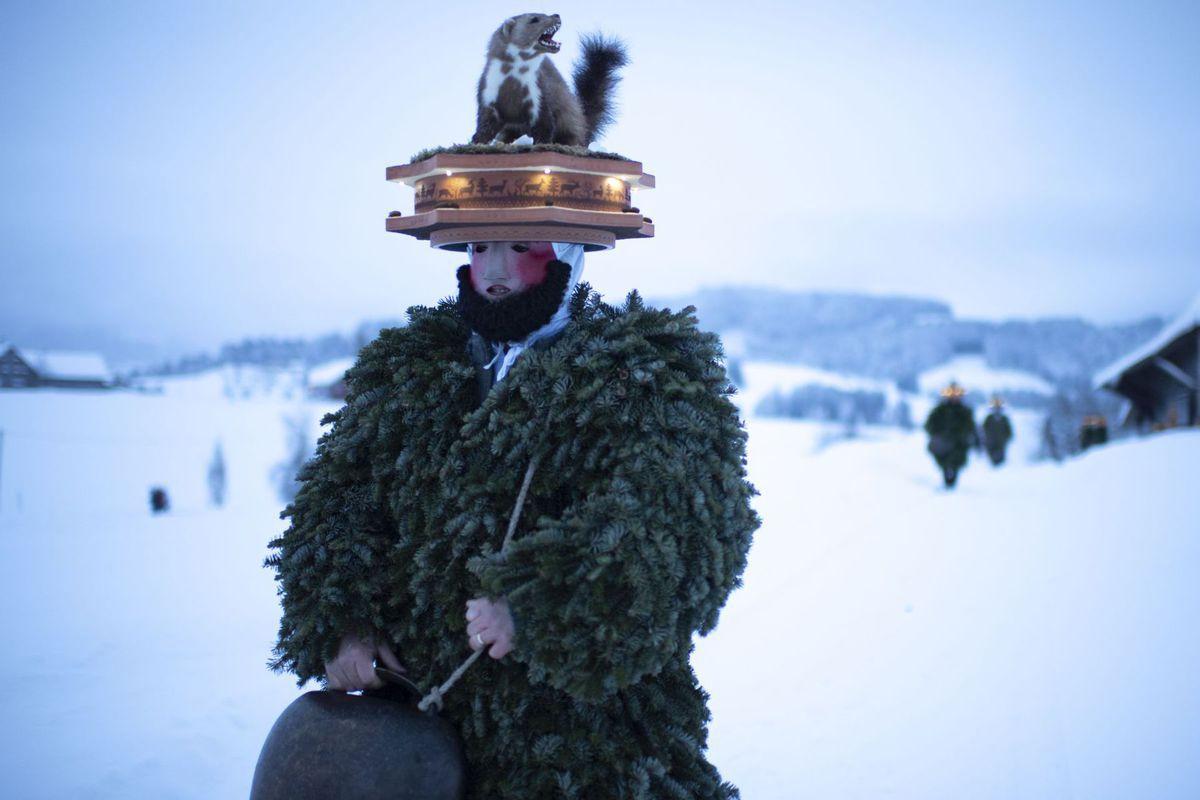 Švajčiarsko, Silvesterchlaeuse, oslavy, maska,
