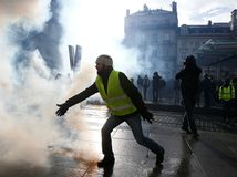 protest, žlté vesty, paríž