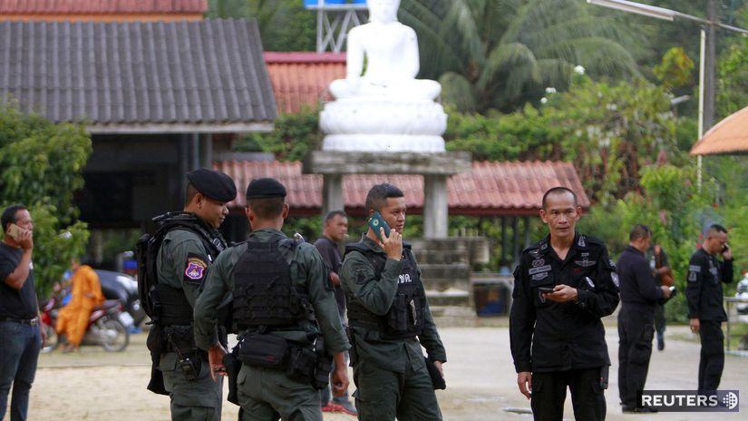 thajsko, mnísi, budhistický chrám