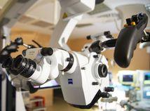 SR Bratislava NÚDCH spinálne centrum mikroskop