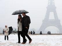 francúzsko, eiffelova veža, sneh