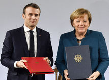 Nemecko Francúzsko Elyzejská zmluva podpis Macron Merkelová