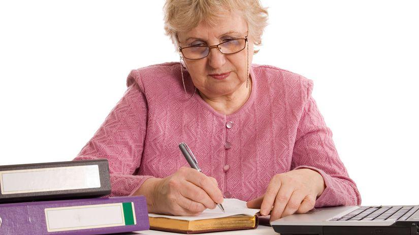 babka, dôchodkyňa, účtovníctvo, účty, zmluvy,...