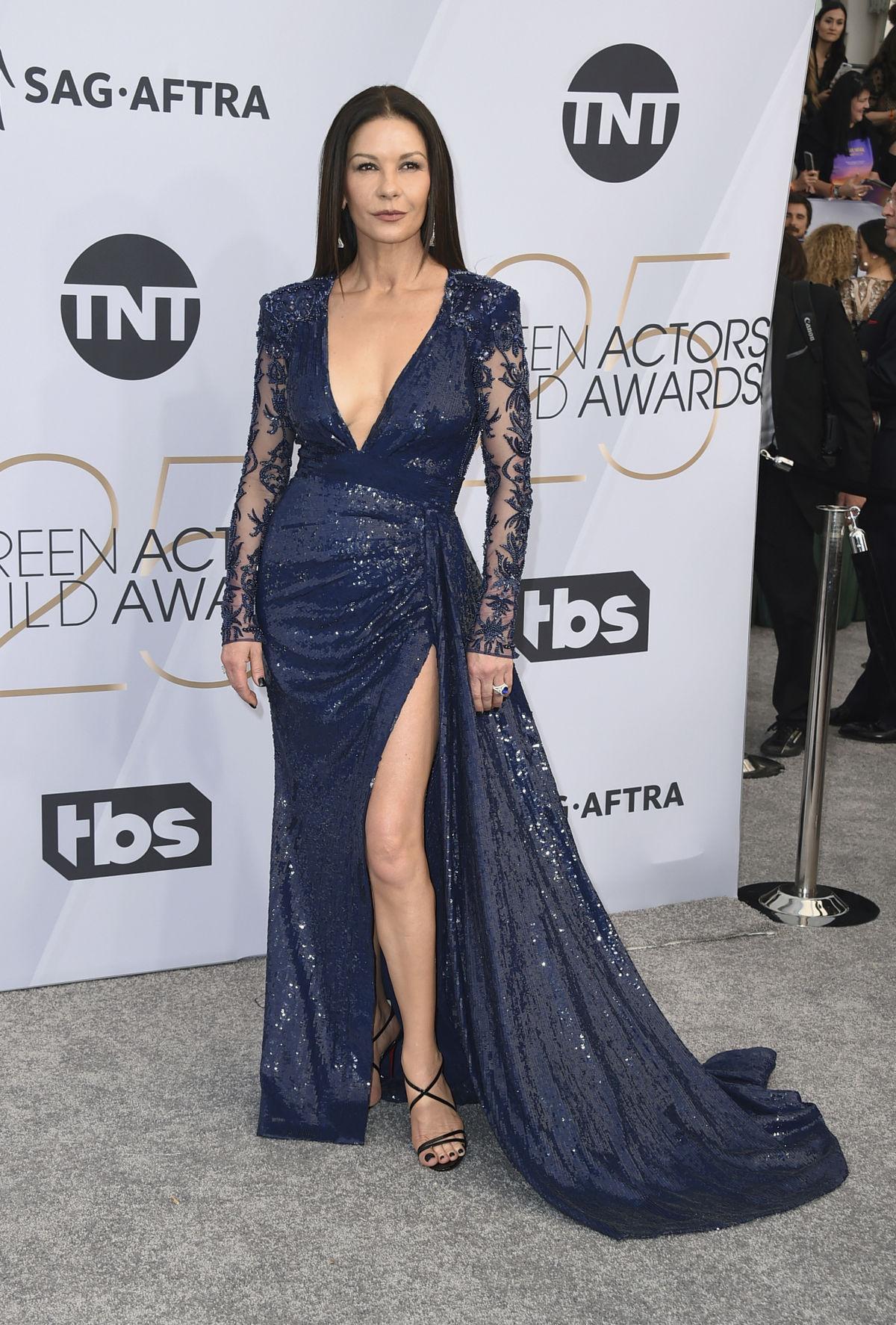 Herečka Catherine Zeta-Jones prišla v kreácii...