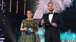 Na snímke Karin Haydu a Libor Bouček, ktorí moderovali galavečer Krištálové krídlo 2018 v priestoroch opery Slovenského národného divadla.