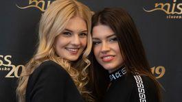 Miss Slovensko 2018 Dominika Grecová (vľavo) a riaditeľka súťaže Karolína Chomisteková.
