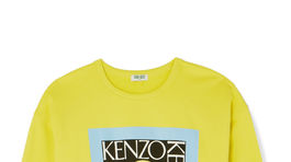 Neónová mikina s nápisom Kenzo, predáva sa za 275 eur na Net-a-porter.com.