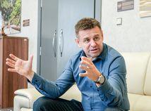 Minister Sólymos sa ospravedlnil za výtržnosť v centre Bratislavy a podal demisiu