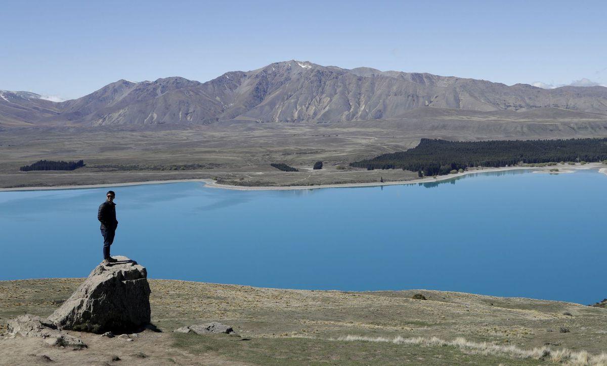 Nový Zéland, turista, cestovanie, hory, jazero