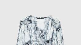Šaty so zvieracím vzorom Zara, predávajú sa za 15,95 eura.