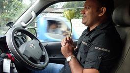 Srí Lanka, auto, volant, lotus, Manoj Peiris