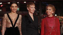 Členky medzinárodnej poroty - zľava: Juliette Binoche, Sandra Hueller a Trudie Styler.