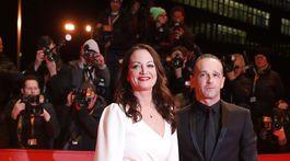 Nemecká herečka Natalia Woerner a minister zahraničných vecí Heiko Maas.