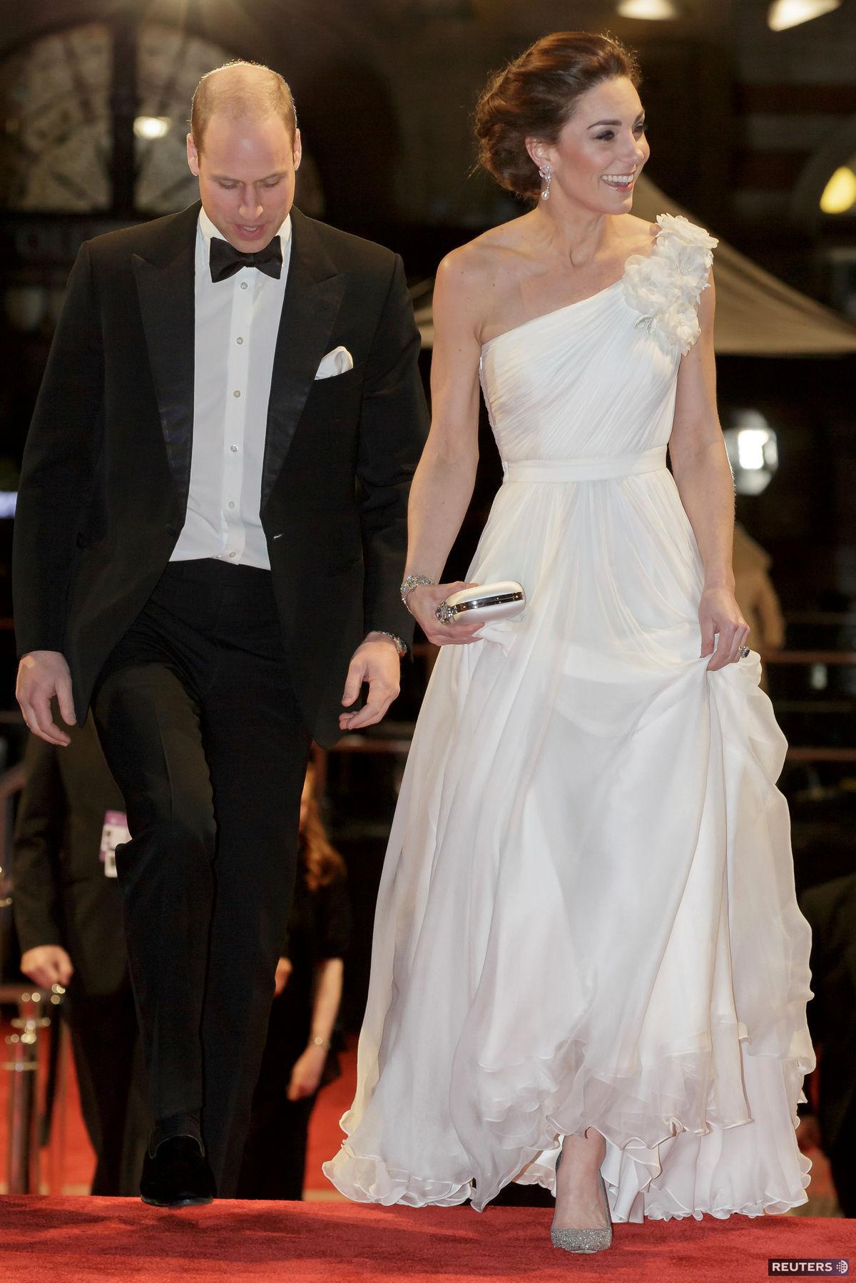 Princ William a jeho manželka Catherine v...