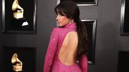 Speváčka Camila Cabello v kreácii Armani Privé.