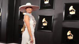 Speváčka Jennifer Lopez si obliekla model Ralph & Russo Haute Couture.