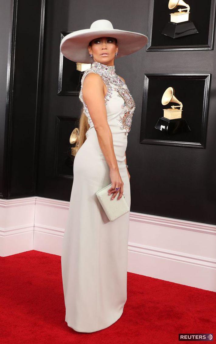 eaf0d12dc9 Speváčka Jennifer Lopez si obliekla model Ralph.