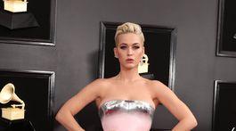 Speváčka Katy Perry v kreácii Balmain Haute Couture.