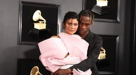 Televízna a internetová hviezda Kylie Jenner a jej partner Travis Scott.