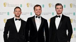 Zľava: Jamie Bell, Taron Eggerton a Richard Madden na vyhlásení cien BAFTA.