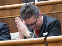 Matovič vyzval Glváča, aby odstúpil z funkcie podpredsedu parlamentu