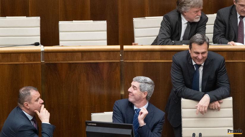 parlament, verejne hlasovanie, Hrnciar, Bugar,...