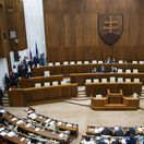Poslanci nezvolili kandidátov na ústavných sudcov. Kiska očakáva, že si povinnosť splnia vo štvrtok