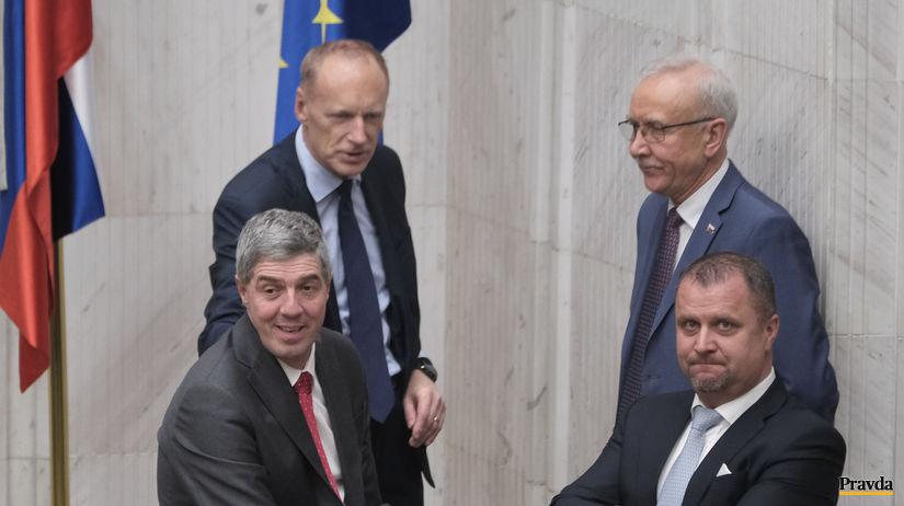 parlament, odlozene verejne hlasovanie,  Bugar,...