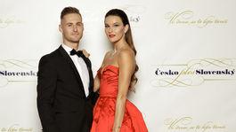 Bývalá česká kráľovná krásy a modelka Nikol Švantnerová v šatách Poner. S partnerom Patrikom Dresslerom.