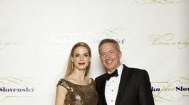 Bývalý riaditeľ RTVS a televízie Markíza Václav Mika s jeho partnerkou.