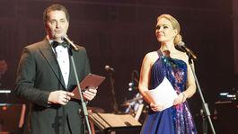 Moderátorská dvojica Lucia Barmošová a Martin Dejdar.