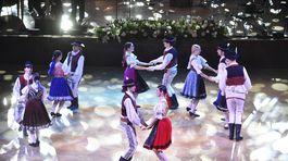 Záber na program Česko-slovenského plesu.