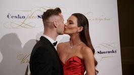Zamilovaná Nikol Švantnerová s partnerom Patrikom Dresslerom.