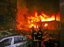 Dháka, Bangladéš, požiar, sklad, hasič