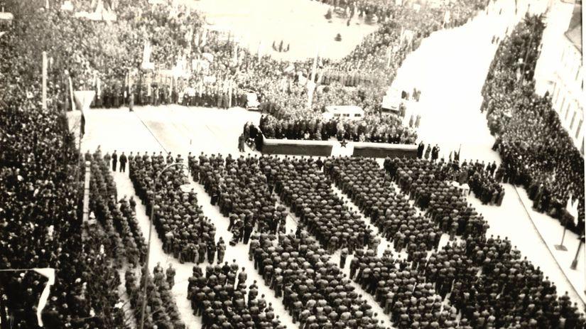 Február 1948