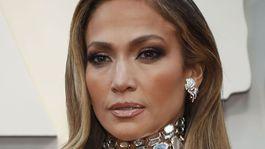 12 najlepších účesov a líčení z Oscarov - Jennifer Lopez